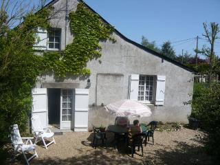 GÎTE  IN THE VALLEY OF LOIRE, 10' OF ANGERS., Murs-Érigne