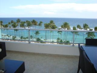 New luxury 7th floor Ocean View Beachfront apartmt, Saint-Domingue