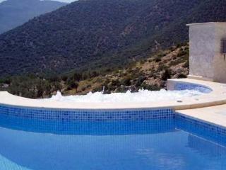 (004BM) 5 Bed villa