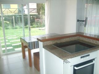 Kitchen (ceramic hob, oven)