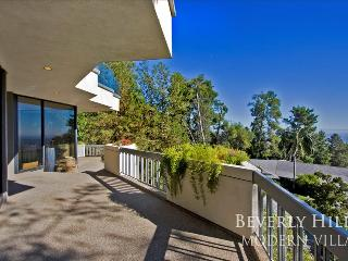 Beverly Hills Modern Viewhouse