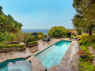 Malibu Beach Castle with Spacious Grounds and Private Pool near the Ocean