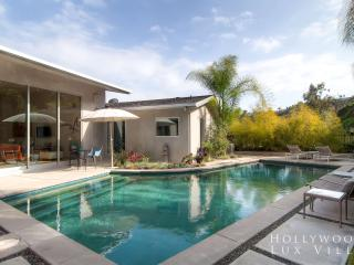 Lilypool - a Hollywood Hills Oasis with Private Pool and Charming Decor