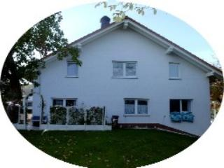 """U' Vacation Home, 6 bedrooms (9-15 persons), Usingen"