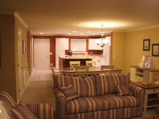 Ocean City Getaway Sleeps 8- GREAT NEW YEAR'S EVE RATES- INDOOR POOL!