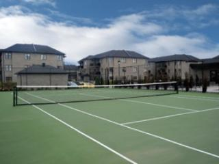 Outdoor-Tennis Court