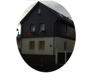 "Haus ""O"", 4 sleeping rooms (2 - 16 persons), Bad Nauheim"
