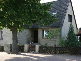 Vacation Apartment in Wolfenbüttel - 377 sqft, quiet location, central, close to nature (# 3900)