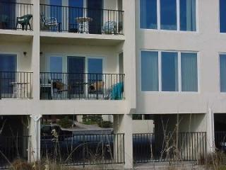 2 BR-2BA Oceanfront condo- 7th night free