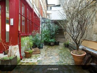 Charming 2 Bedroom in Paris Bastille