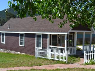 Golden Leaf Cottage -- Handicap Accessible, Estes Park