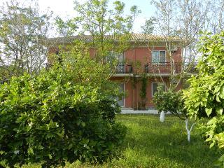 apartments & studios in Spasmeni Vrisi lefkas isle, Kariotes
