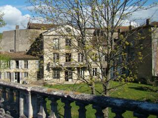 Hip Village Chateau, Walled Garden, Languedoc Rous, Chalabre
