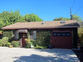 A Quiet Cottage - Child & Pet Friendly - Minutes t, Santa Barbara