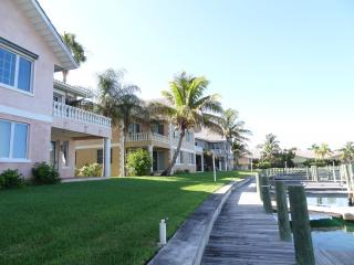 Grand Bahama Bahamas Waterfront Condo Paradise, Freeport