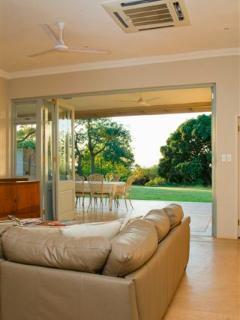 Nguni Cottage Lounge Outlook