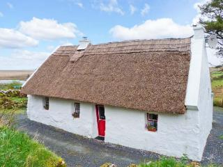 THE THATCH, character pet-friendly cottage, woodburner, close walking, cycling, in Poll, Spiddal Ref. 23903, Crossmaglen