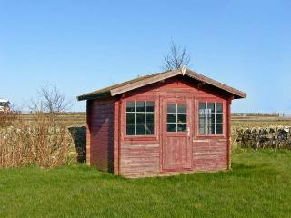 THE READING ROOMS, WiFi, pet-friendly, fantastic touring base, wonderful views,