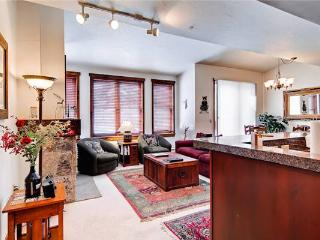 Economically Priced Breckenridge 1 Bedroom Free shuttle to lift - MJ20