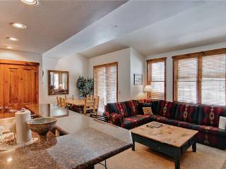 Economically Priced Breckenridge 1 Bedroom Free shuttle to lift - MJ26