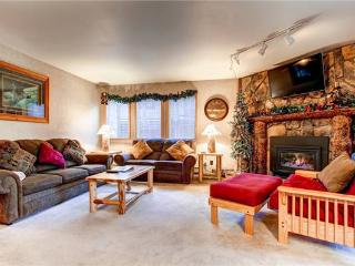 Conveniently Located Breckenridge 2 Bedroom Ski-in - PC201