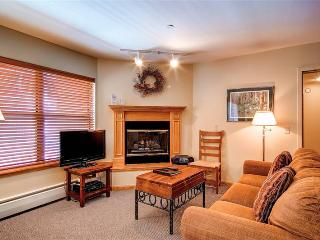 Elegant Breckenridge 3 Bedroom Ski-in - RE215