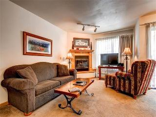 Perfectly Located Breckenridge 2 Bedroom Ski-in - RE313