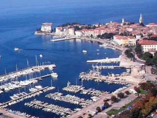 New built residence with confortable suites and rooms b&b in the centre of Poreč.