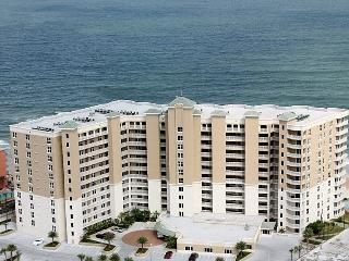 OCEANFRONT 3/3 Luxury Condo for Family & Friends, Daytona Beach