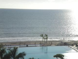 Beautiful two bedroom condominium on the beach!