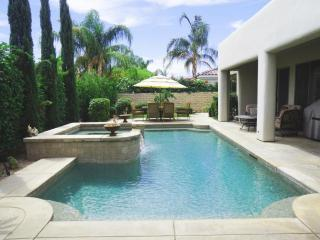Executive 5 Star Gated Pool/Spa home + Netflix!!, La Quinta