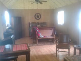 interior -sleigh bed
