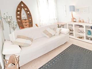 Apartment 2-4 p. 30 mt sea & 8 km Pisa