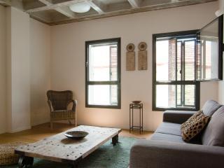 Luxury 5  * home from home best location NeveZedek, Tel Aviv