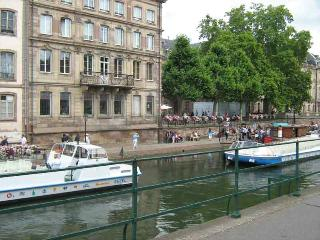 Center of Strasbourg,apartment for 1-5 persons in ground floor