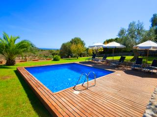Modern Finca with pool access and wonderful views, Cala Ferrera