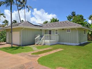 POIPU 2bd/2 ba detached cottage, a/c, beaches/pool/spa/tennis, garage, Koloa