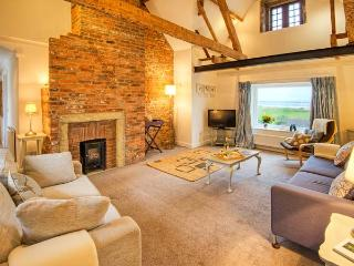 SEAVIEW APARTMENT, sea views, close to coast and amenities in Alnmouth, Ref