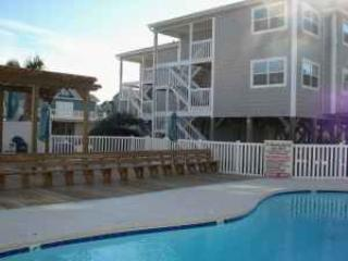 Beautiful 1 Bedroom Condo-  5 minute walk to beach, Ocean Isle Beach