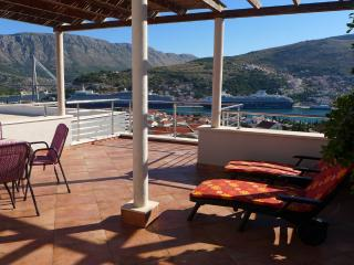Villa Diana with Swimming Pool : Penthouse, Dubrovnik