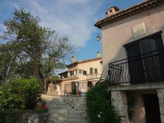 Beautiful authentic Provence villa