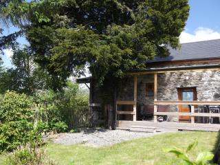 BELLE VUE 4 star pet-friendly family cottage, Llanrhaeadr ym Mochnant