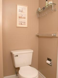 1st Floor Bathroom, includes Tub/Shower