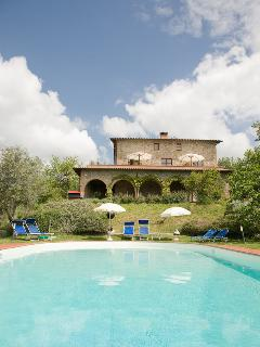 The villa Casa San Carlo seen from the pool