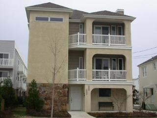 Ocean City 4BR Beach Block, Ocean Views, 2 decks