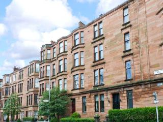 WEST END APARTMENT second floor apartment, three double bedrooms, close to city amenities in Glasgow, Ref 23349