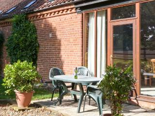 SYCAMORE single-storey, family-friendly, in Fakenham Ref 24359