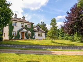 IVY HOUSE. woodburner, spacious cottage, large garden near Boyle, County Sligo