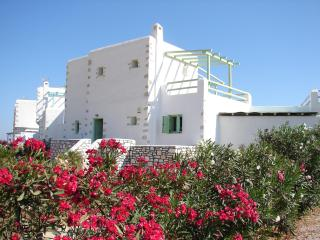 Beautiful holiday villa close to the sea, Ampelas