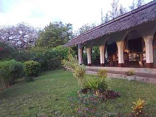 Eco friendly home at Sunset Villas, beach, pool, Kilifi